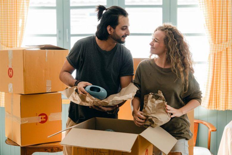 demenagement carton couple